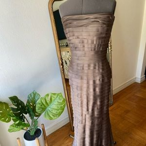 Tadashi Size 8 Tiered waterfall evening gown